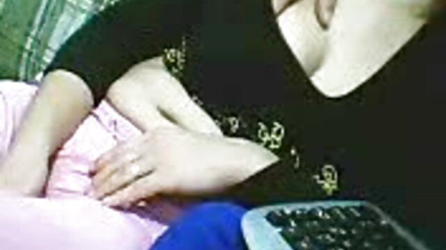 बिस्तर हिंदी में फुल सेक्सी फिल्म में कामुक लीना